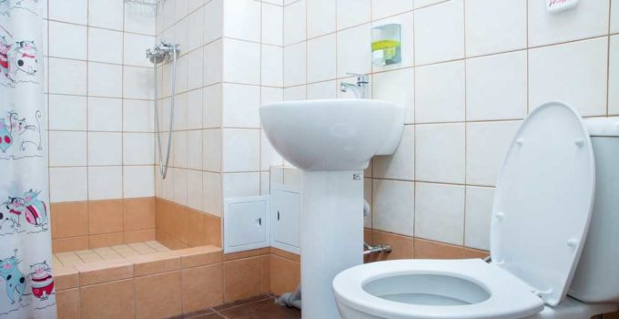 Best Toto Toilet: Reviews in 2021 (Recommended!)